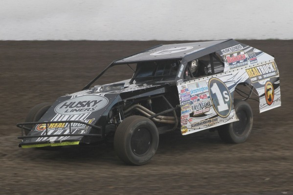 Charging to the front @ Casino Speedway